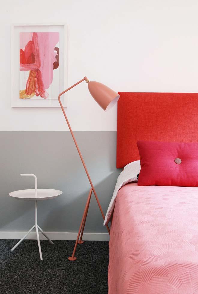 Decoração em vermelho e rosa