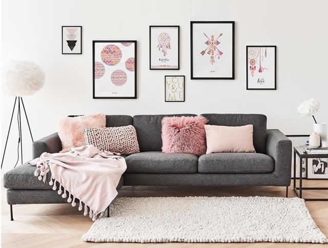Decoração rosa fraco na sala