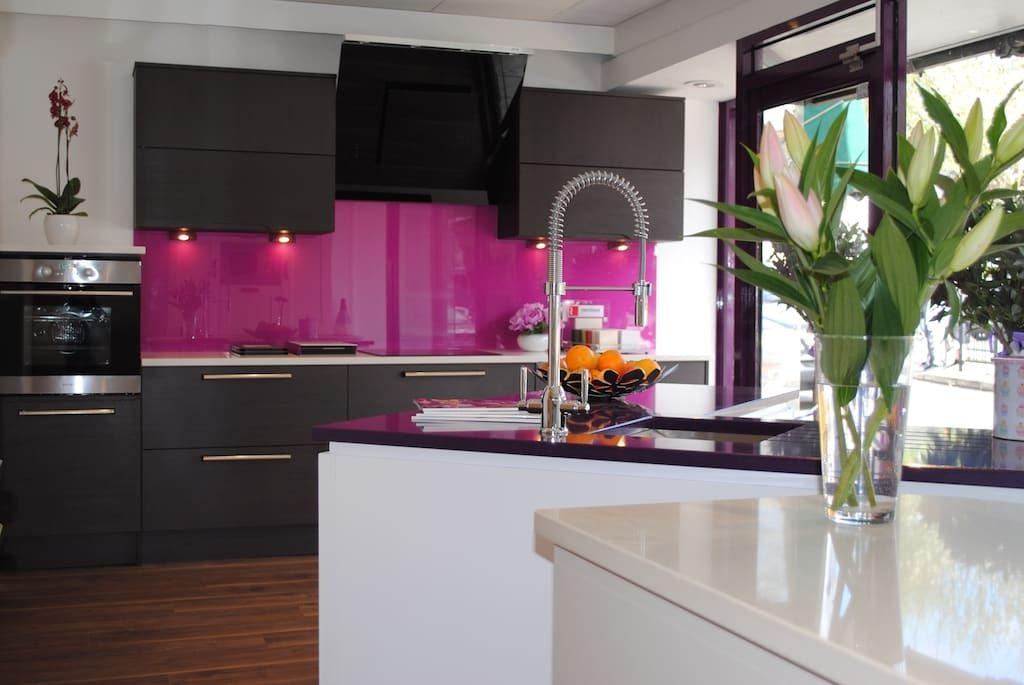 Decoração rosa na cozinha da sua casa