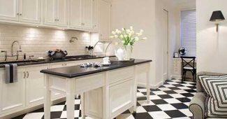 Preto e branco decorando a cozinha