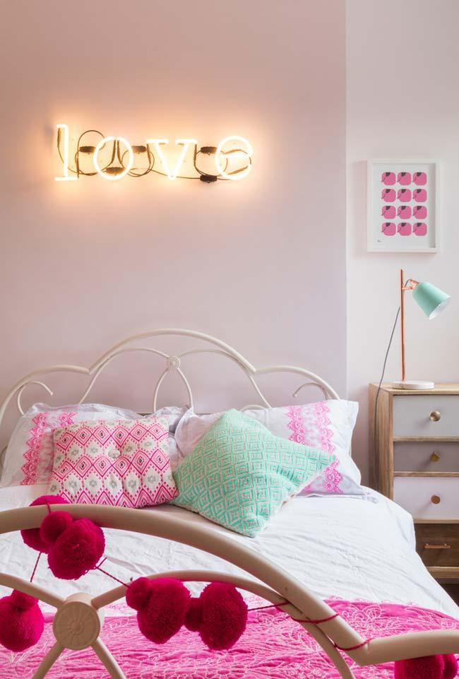 Rosa neutro no seu quarto