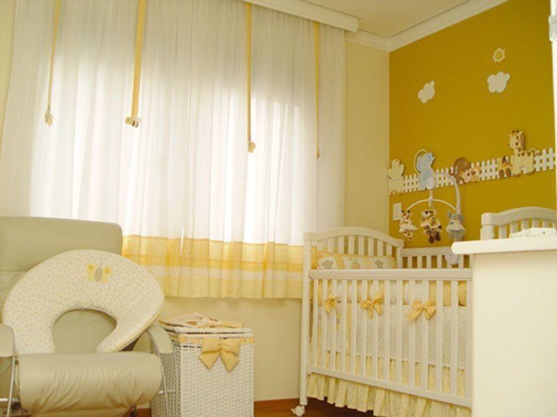 Amarelo sendo usado na decoração do quarto de bebes