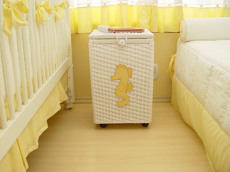 quarto amarelo de bebe