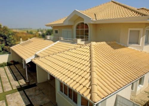 antigo modelos frances de telha cobriunndo telhado