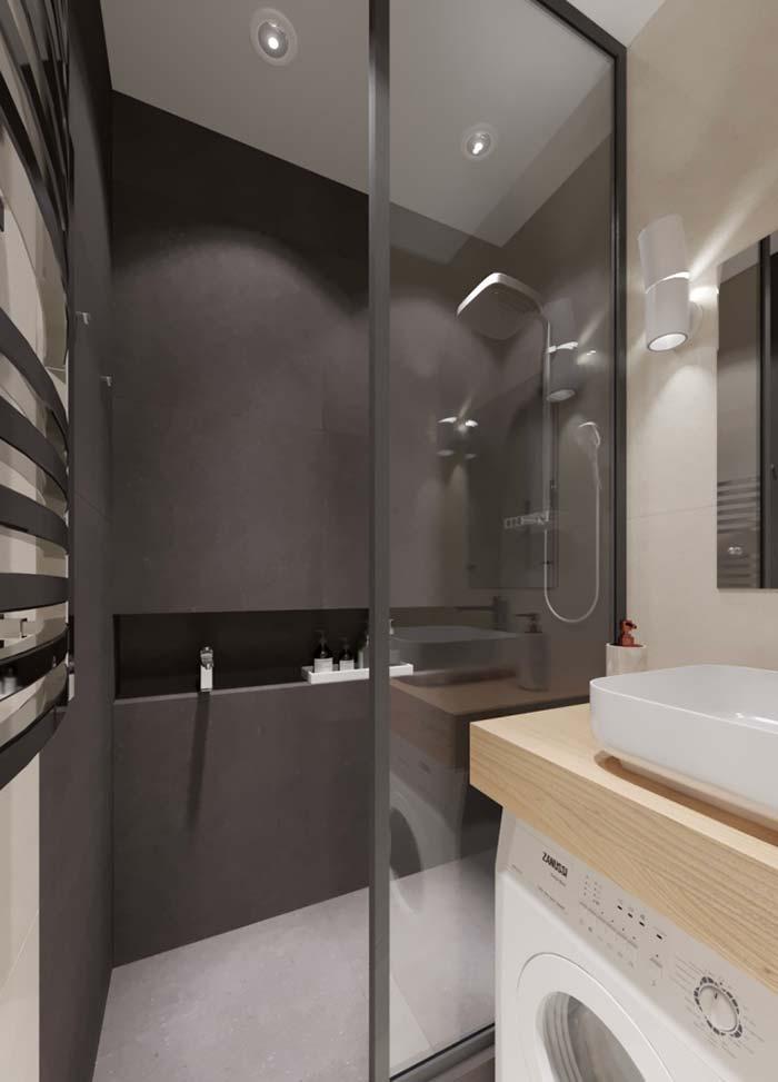 entrada do banheiro com moldura preta