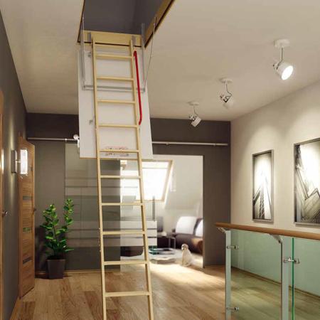escada clara com possibilidade de dobrar e fechar