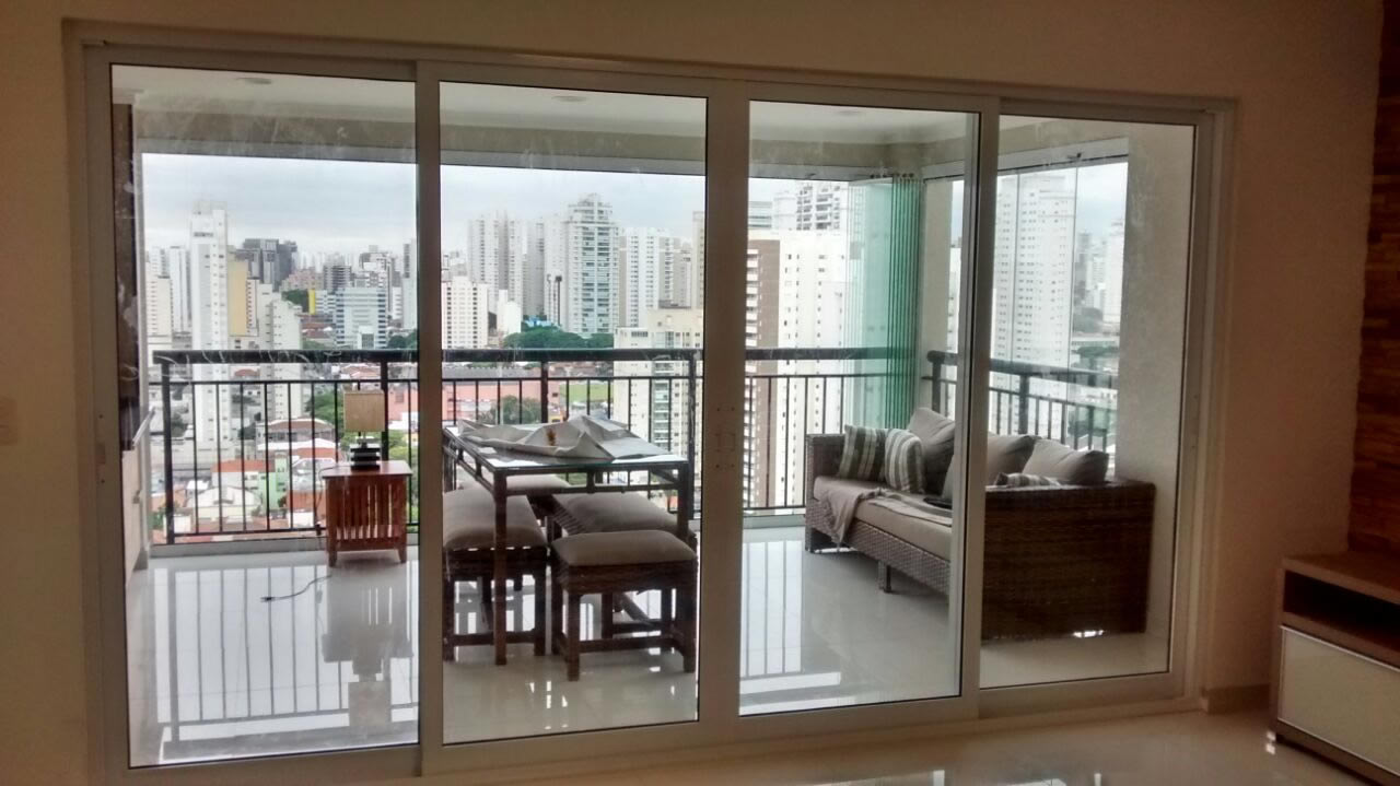 modelo balcão da sala para a varanda