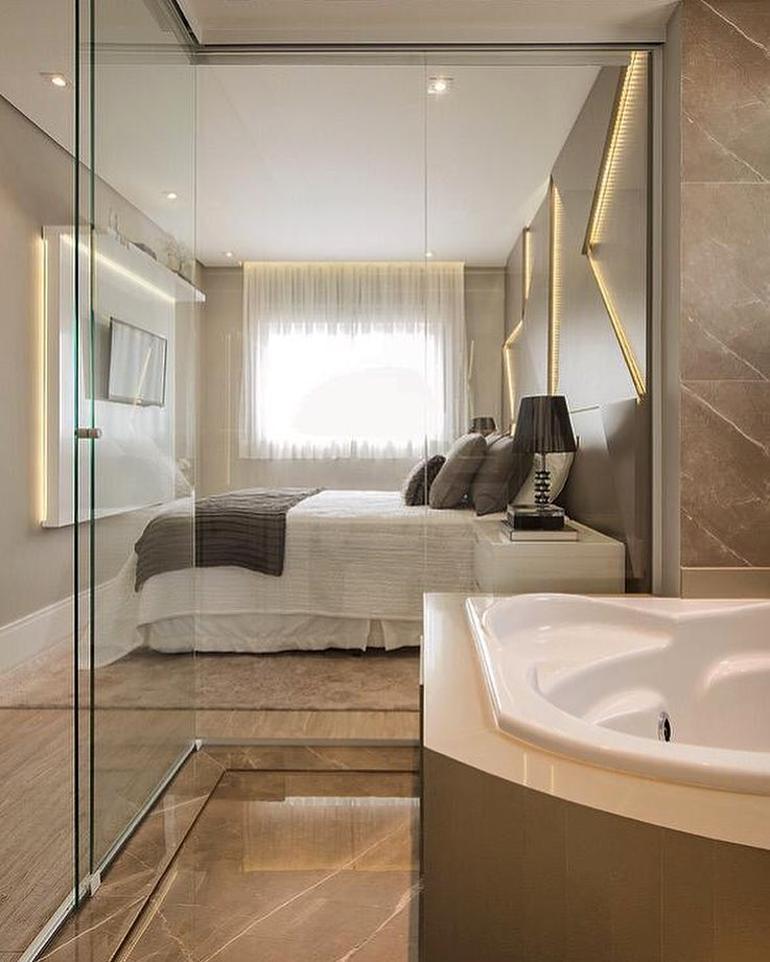 porat de vidro para banheiro suite com banheira
