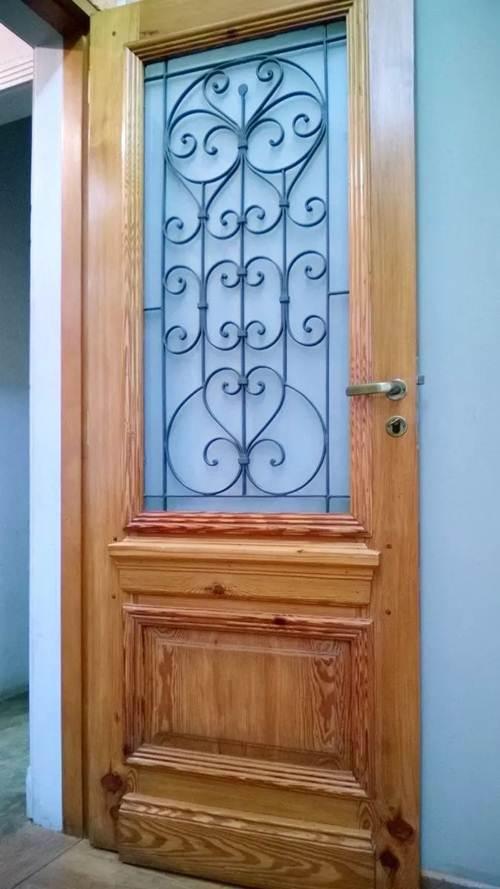 porta classica em madeira macica com vidro