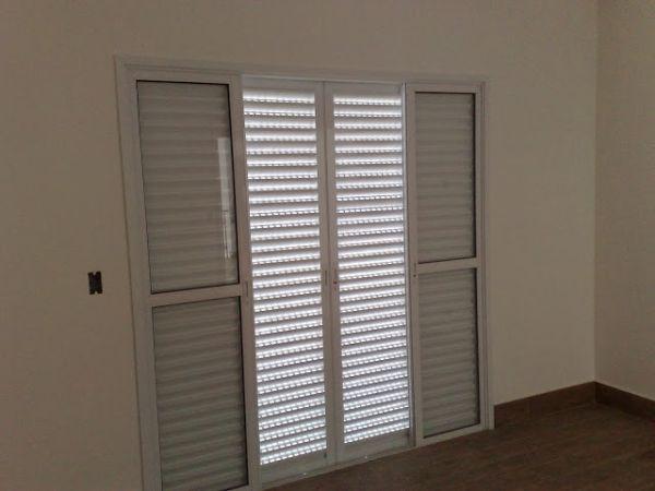 porta de aluminio com vidro para quarto com duas folhas