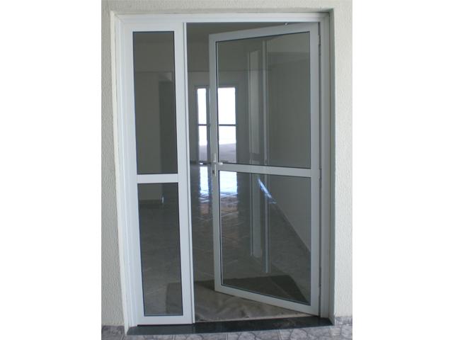 porta de aluminio com vidro para quarto