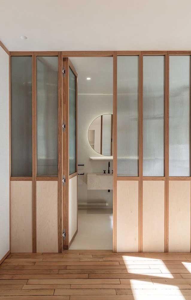 porta de madeira com vidro para a sala