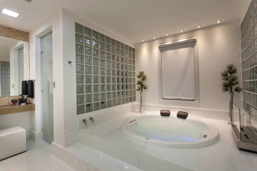porta de vidro leitoso para banheiro