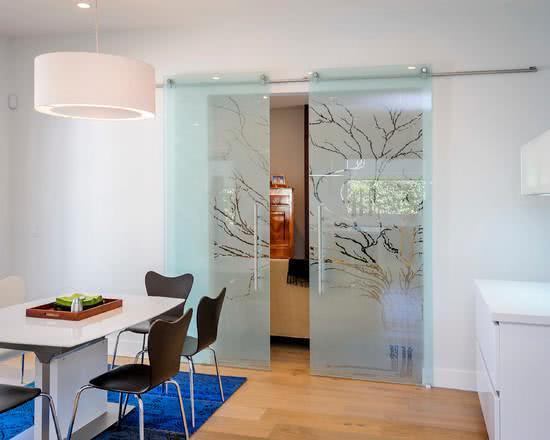 porta de vidro para cozinha pequena