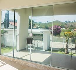 porta de vidro temperado para a sala transparente