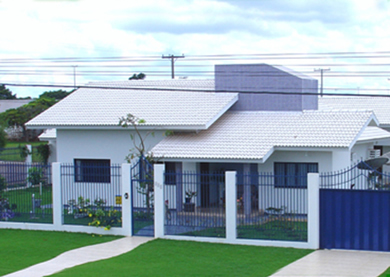 telha francesa branca no telhado