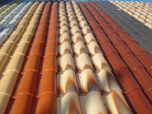 telhas no estilo frances com esmaltamento para proteção