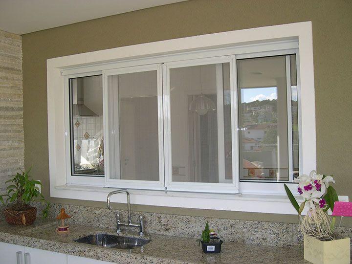 Grande janela com 4 vidro e partes em aluminio