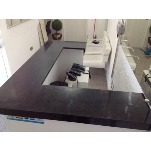 Cozinha american com marmore preto sob medida