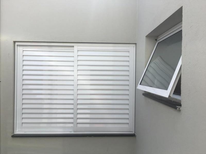 janela 100x 120 feita em aluminio