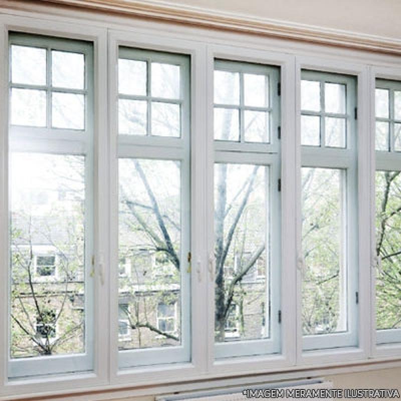 janela 100x100 feita em aluminio