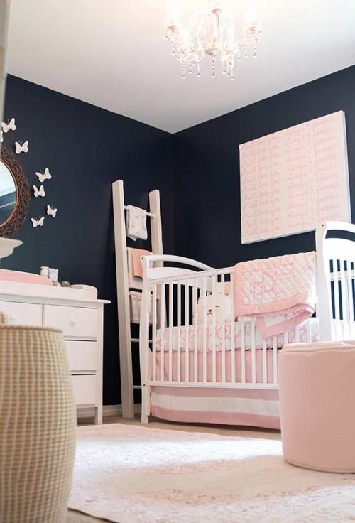 Quarto azul marinho e rosa de bebe