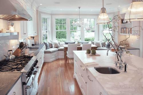 ilha e sala em conjunto com a cozinha