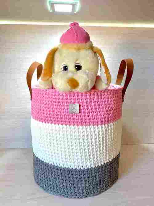 Bolsinha artesanal de crochê com carinha de cachorrinho