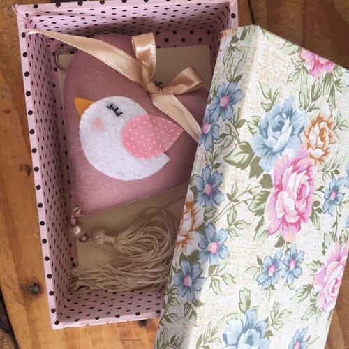 Ciaxa rosa artesanal com tampa forida