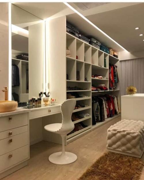 Planejamento de closets no estilo aberto