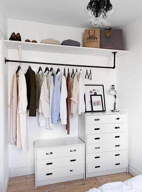 simples closet branco e aberto