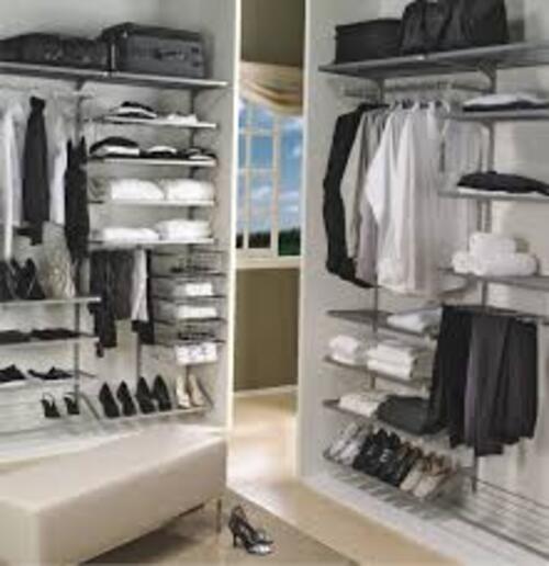 closet armado com modulos bem definidos