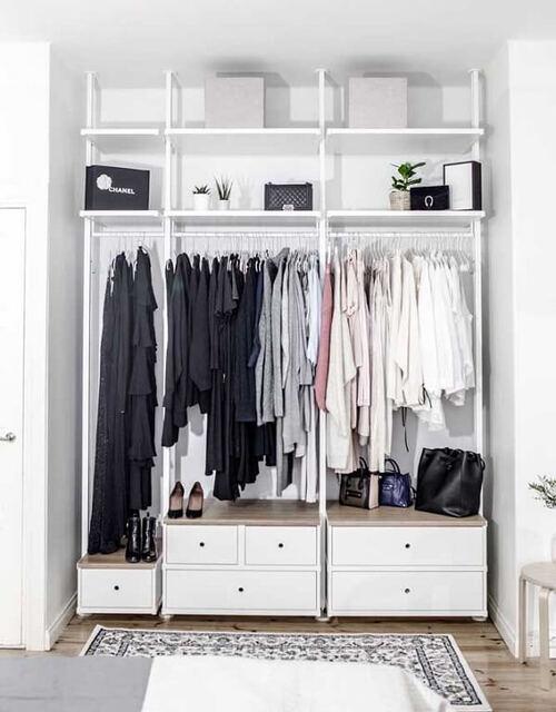 closet branco com módulos em mdf