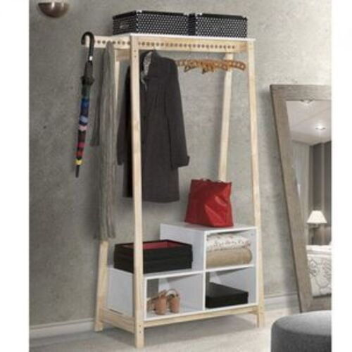 closet com pequenos modulos na parte de baixo