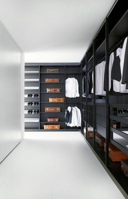 closet grande modulado e na cor preta