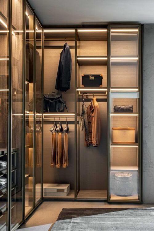 closet modulado com porta de espelho