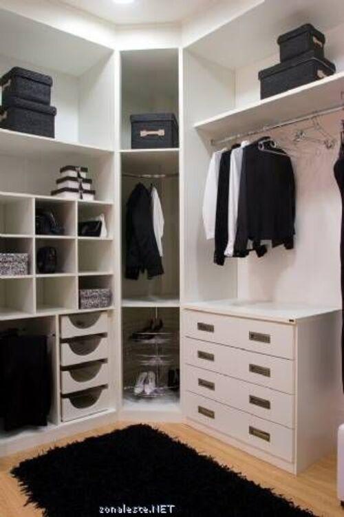closet para quarto de casal com modulos em cima e gavetas em baixo